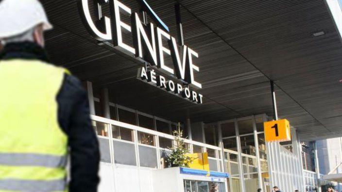 Am Genfer Flughafen kam es vor Weihnachten zu erhöhtem Terroralarm. Nun wurden 30 Mitarbeiter entlassen. (Foto)