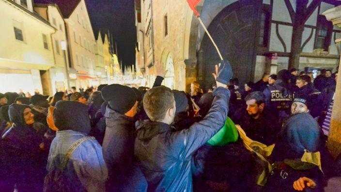 Am 29. Januar kam es im baden-württembergischen Reutlingen schon einmal zu Protesten gegen eine Versammlung der AfD. Damals wurden drei Polizisten verletzt. (Foto)