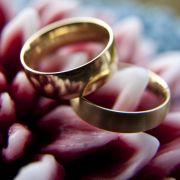 Am Tag des Ringtausches muss alles stimmen - Brautpaare haben in den Monaten vor der Hochzeit jedoch einiges zu planen.