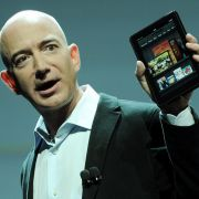 Soll nur knapp 200 Dollar kosten: Amazon-Chef Jeff Bezos bei der Präsentation des hauseigenen Tablets.