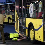 Amberg:Einjährige wird von Bus überfahren und stirbt (Foto)