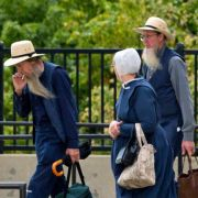 Amische auf dem Weg in den Gerichtssaal in Cleveland.