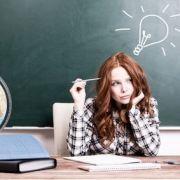 An komplizierten Matheaufgaben ist jeder Schüler schon einmal gescheitert. (Foto)