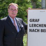 An der Spitze der Topverdiener steht laut abgeordnetenwatch.de der CSU-Finanzpolitiker und Landwirt Philipp Graf von und zu Lerchenfeld. (Foto)