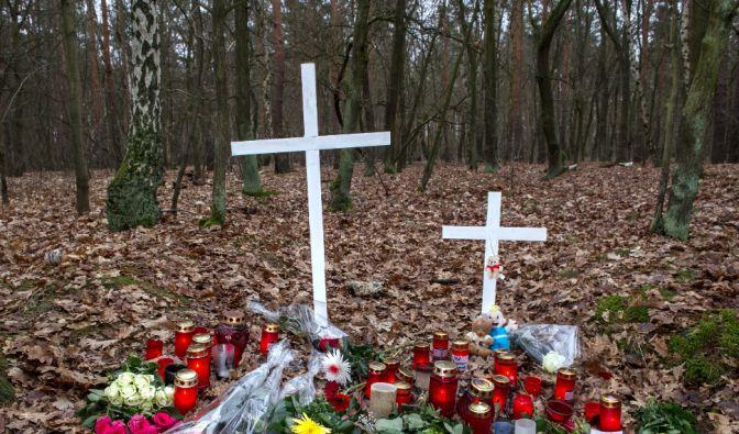 An dieser Stelle war eine Frau von Spaziergängern tot aufgefunden worden. Die schwangere Frau wurde niedergestochen und dann noch lebend verbrannt. (Foto)