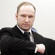 Der norwegische Massenmörder Anders Behring Breivik brüstet sich vor Gericht mit seinen Taten.