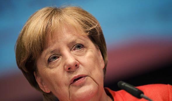Angela Merkel wird immer häufiger Ziel von politischen Angriffen der Gegner. (Foto)
