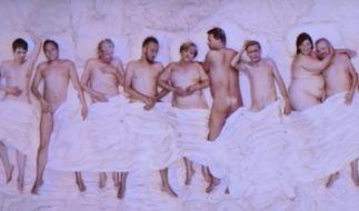 Angela Merkel nackt mit Jan Böhmermann. Ist das der nächste Skandal? (Foto)