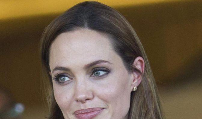 Angelina Jolie in Drehbuchstreit verklagt (Foto)