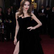 Angelina Jolie will nach der Oscar-Blamage ihre Stylistin feuern.