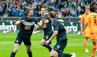 Angestachelte Hertha rettet sich in Relegation (Foto)