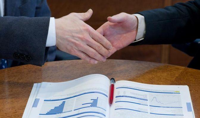 Anlageberater muss über Ermittlungen informieren (Foto)