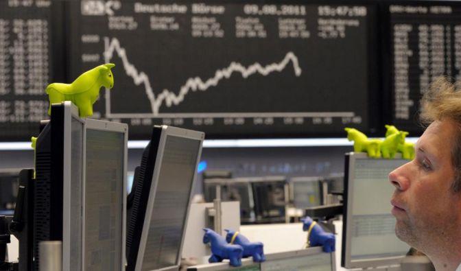Anleger sollten vor ihrem Urlaub ihr Depot absichern, um in stürmischen Börsenzeiten nicht zu viel Geld zu verlieren. (Foto)