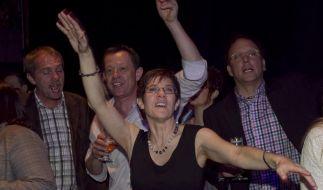 Annegret Kramp-Karrenbauer darf nach ihrem Wahlsieg tanzen. (Foto)