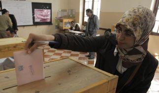Ansturm auf erste Parlamentswahl ohne Mubarak (Foto)