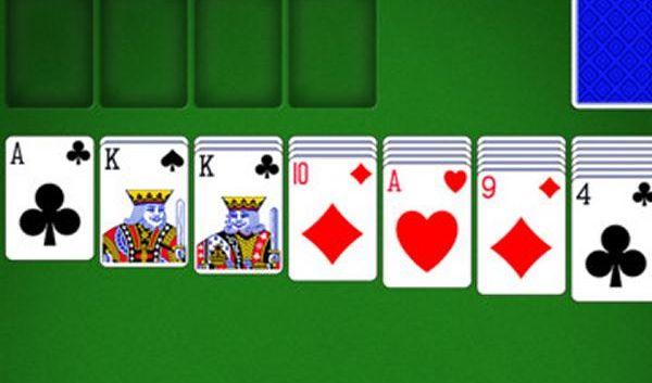 App-Charts: Karten- oder Kriegsspiele? (Foto)