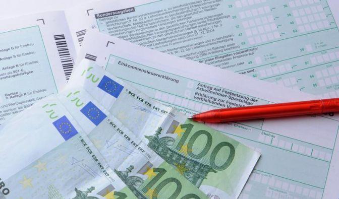 Arbeitnehmer zahlten 2011 Rekord-Abgaben an den Staat (Foto)