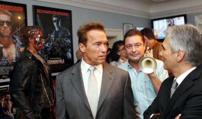 Arnold Schwarzenegger weiht Museum ein (Foto)