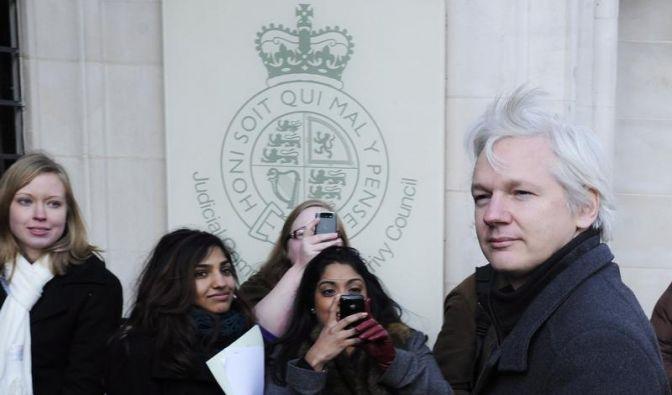 Assange wehrt sich vehement gegen Auslieferung (Foto)