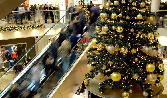 Sonntagsverkauf am 1. Advent lockte in DIESEN Städten zum Shoppen (Foto)