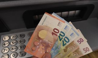 Auch die Volksbanken ziehen nun mit neuen Gebühren nach. (Foto)