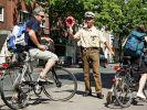 Auch Fahrradfahrern drohen bei Kontrollen empfindliche Bußgelder. (Foto)
