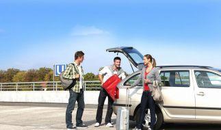 Auch günstig doch wahrscheinlich schneller als der Fernbus sind Reisen per Mitfahrgelegenheit. (Foto)