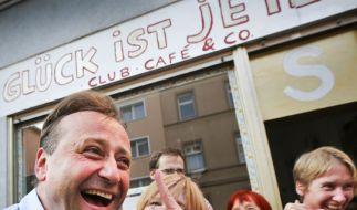 Auch der Lachclub aus Frankfurt am Main freut sich: Das sind die beklopptesten Meldungen des Jahres 2013. (Foto)