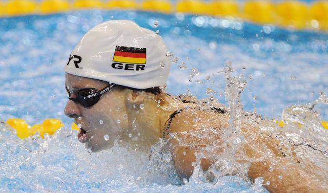 Auch Schmetterlingschwimmerin Sutter unter EM-Norm (Foto)