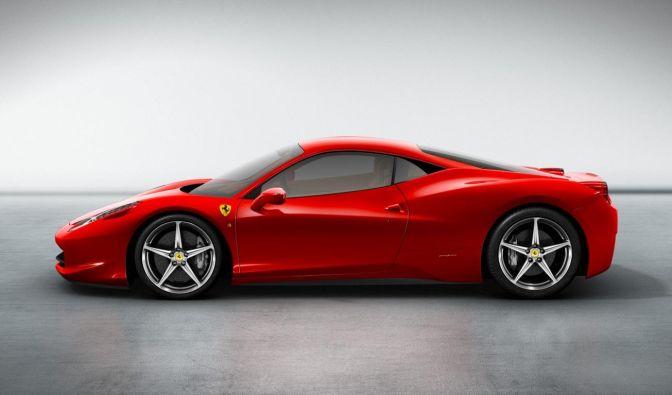 Auch ohne Schumis Comeback spektakuläres Neues von Ferrari: der 458 Italia.  (Foto)