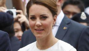 Auf ihrer Asienreise zeigt sich Herzogin Kate ganz zünftig. Doch im Frankreich-Urlaub soll das anders gewesen sein. (Foto)