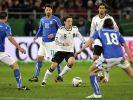 Auf seine Ideen wird es gegen die gut gestaffelten Italiener ankommen: Mesut Özil. (Foto)
