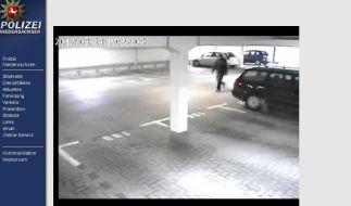 Auf dem Überwachungsvideo ist der mutmaßliche Täter zu sehen. (Foto)