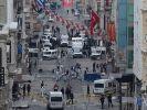 Aufräumarbeiten in der Einkaufsstraße Istiklal in Istanbul nach dem Anschlag am 19. März 2016. (Foto)