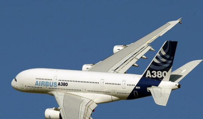 Aufseher schicken alle Airbus A380 zum Flügel-Check (Foto)