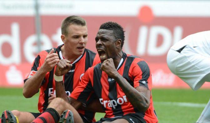 Aufstieg für Eintracht Frankfurt nah - 4:0 gegen Aue (Foto)