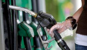 Autofahren ist angesichts der hiesigen Spritpreise ein teures Unterfangen. (Foto)