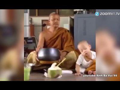 knuffig baby m nch schl ft w hrend meditation ein videos. Black Bedroom Furniture Sets. Home Design Ideas