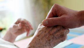 Bahr: Auch Pflegeversicherung mit hohen Überschüssen (Foto)