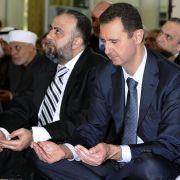 Baschar al-Assad hat sich erstmals seit einem Monat wieder in der Öffentlichkeit gezeigt.