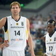 Basketball EM 2015: Dirk Nowitzki und Dennis Schröder beim Test gegen Kroatien (Foto)