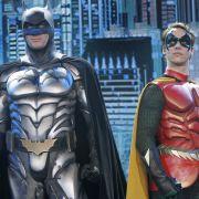 Batman und Robin (hier in einer Live-Tour) sind schwul - für Fans seit Jahrzehnten ein offenes Geheimnis, nun auch von einem Batman-Macher bestätigt.