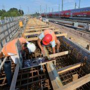 Bauarbeiten am Hauptbahnhof Halle/Saale 2015: Die Deutsche Bahn rechnet für 2016 mit täglich 850 Baustellen deutschlandweit. (Foto)