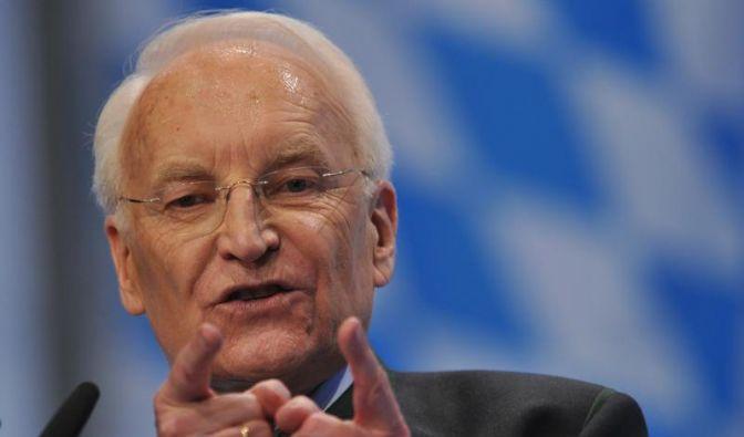 Bayern-Aufsichtsrat Stoiber für Sicherheitszäune (Foto)