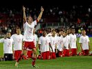 Bayern kniet vor Thomas Müller - drei der sieben Tore gegen Barça gehen auf sein Konto. (Foto)