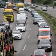 Stau-Gefahr! Ferien-Start sorgt bereits jetzt für überfüllte Autobahnen (Foto)