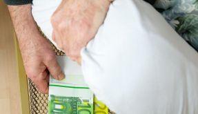 Bei Demenz: Geldgeschäfte rechtzeitig regeln (Foto)