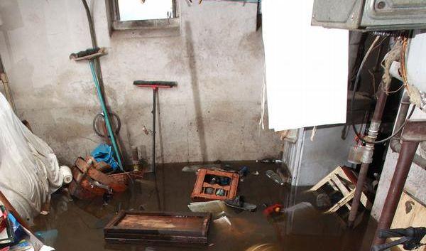 Bei Hochwasser die Außensteckdosen vomNetz nehmen (Foto)