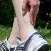 Bei Krämpfen im Muskel soll Magnesium helfen. Stimmt dieser Rat überhaupt? (Foto)