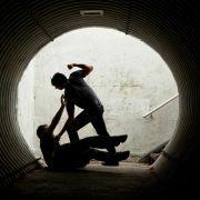 Obdachloser rettet Frau vor Sex-Tätern und wird selbst zum Opfer (Foto)